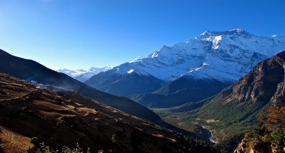 Mini Annapurna Circuit Trekking