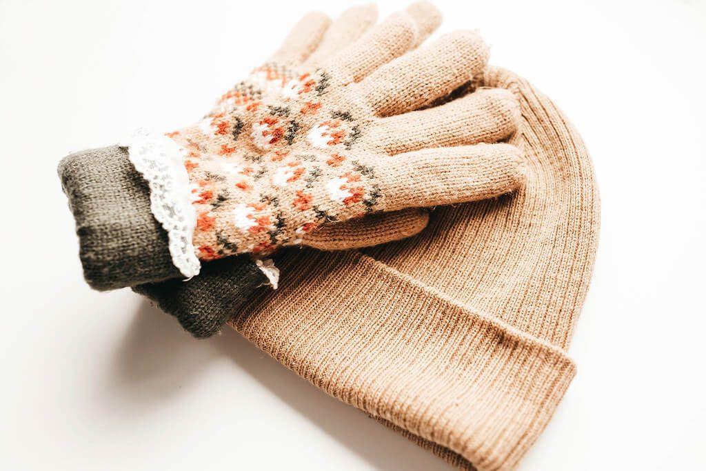 Woolen Caps and Gloves